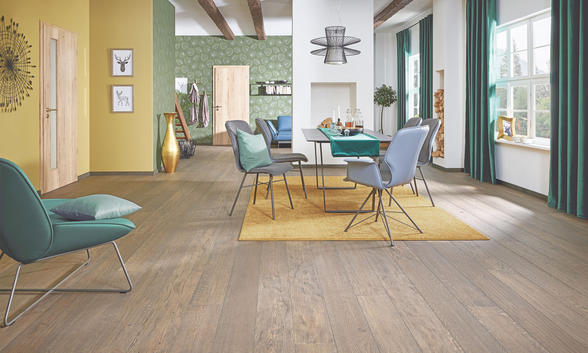 Schöner Holzboden in stillvoll eingerichteter Villa.